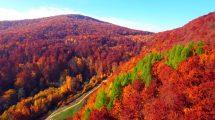 فوتیج هوایی از کوههای پاییزی