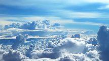 فوتیج زمینه پرواز در بالای ابرها