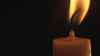 مجموعه فوتیج ویدیویی کلوزاپ سوختن شمع