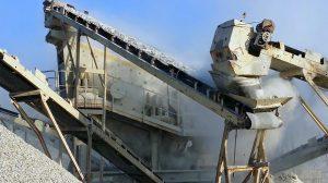 فوتیج ویدیویی ماشین سنگ شکن و تولید سنگ ریزه