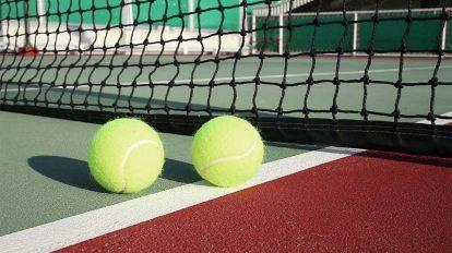 فوتیج ویدیویی توپ تنیس روی زمین بازی