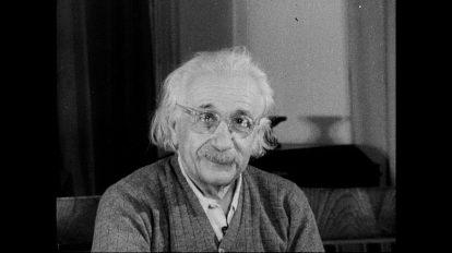 فوتیج ویدیویی از پروفسور آلبرت اینشتین در سال 1955