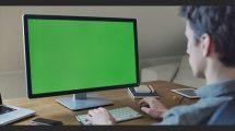 فوتیج ویدیویی موکاپ پرده سبز کامپیوتر یک طراح