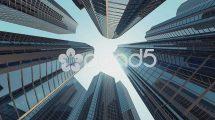 فوتیج حرکت از میان ساختمان ها و آسمان خراش های شرکتی