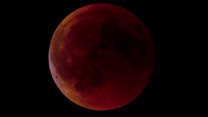 فوتیج کلوزاپ تایم لپس ماه گرفتگی کامل
